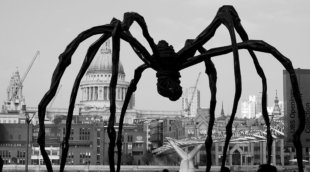Maman Louise Bourgeois Giant Spider View On Black