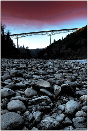 bridge sunset river scenery rocks vertigo wideangle auburn slideshow hdr americanriver foresthillbridge bigbridge superbmasterpiece auburnstaterecreationalpark norockswereinjuredduringthisshoot