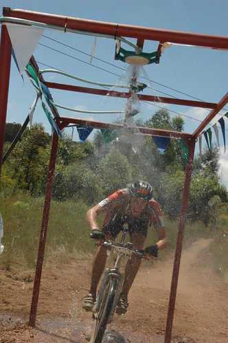 day2 mountain water race southafrica nick mountainbike down spray biking mtb cooling sani2c highflatschurch