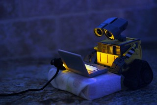 WALL•E Discovers the Internet | by Photo David