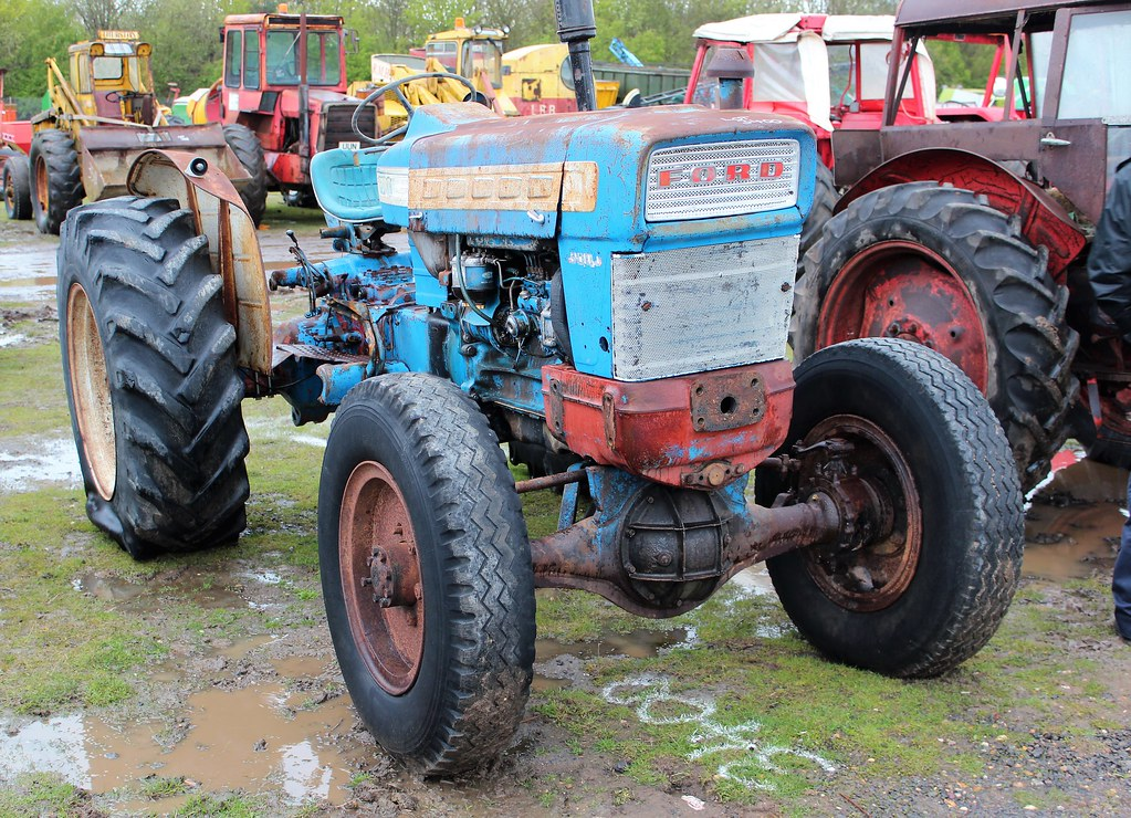 Ford 5000 Super Major 4WD tractor | Fitted with Select-o-Spe