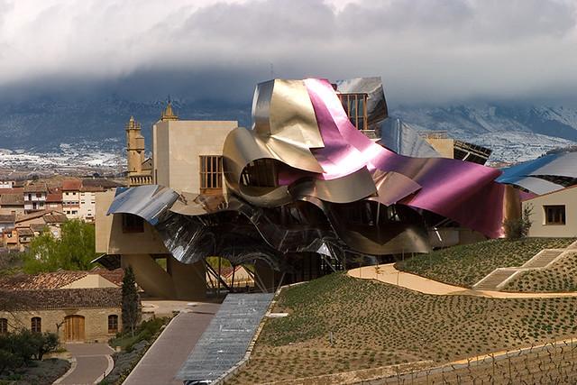 Marques de Riscalen upategi berria, Frank Gehryk egindakoa, Elciego