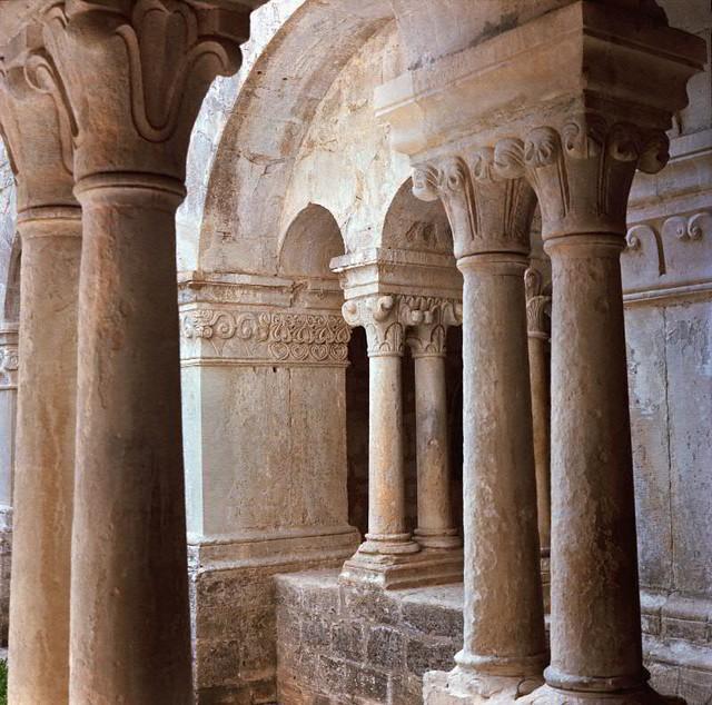 Abbaye Notre-Dame de Sénanque - Cloister 1