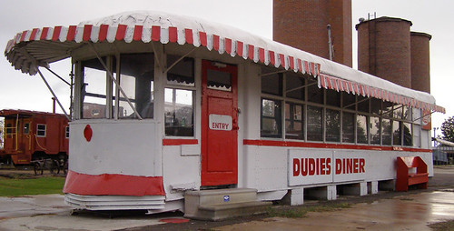 Dudie's Diner   by RoadsideArchitecture.com