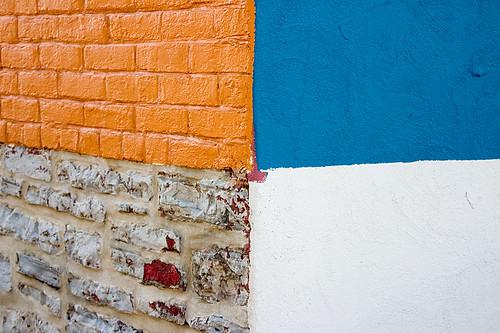 blue wall quebec bricks bleu minimalism mur brun briques abstrait minimalisme