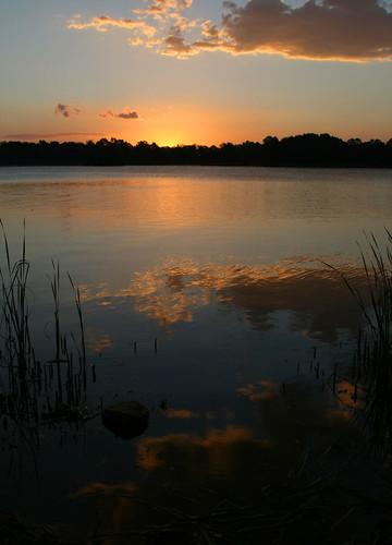 sunset lake water clouds canon reeds geotagged canberra dslr belconnen lakeginninderra 400d northcanberra canberrasunset canonef2485mmf3545usm geo:lat=3522563 geo:lon=149068943