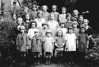 l'école confessionnelle du couvent d'Orgelet en 1923