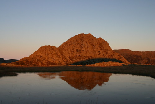 Sun, 24/12/2006 - 09:59 - Tryfan in the dawn light, Pic - Pete Bursnall