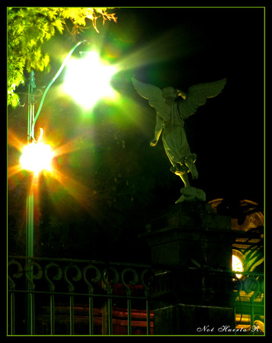 Ángel iluminado