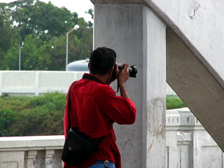 ChennaiPhotowalk 101 - Subash and his Pentax | by Ravages