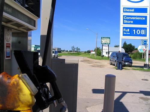 trip station gas gasstation saskatchewan a70 esso canona70 wynyard 4x3 southshoremotorlodge