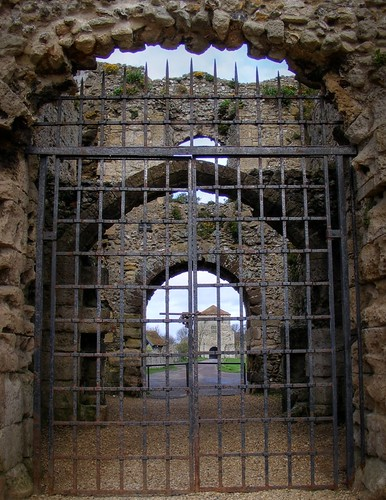 Portchester Castle Gate | by scalespeeder
