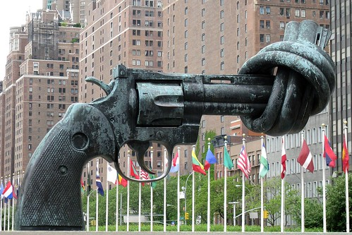 Non–Violence or The Knotted Gun by Carl Fredrik Reutersward, UN New York | by mira66