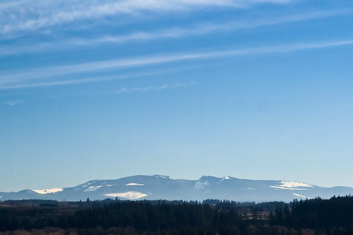 blue trees sky mountain snow oregon landscape geotagged skies scenic colorblue skyshots stayton geo:lat=44803694 geo:lon=122765538