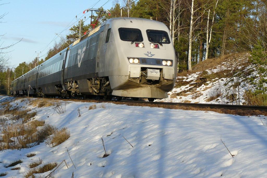X2000 Tilt Train by glen1079
