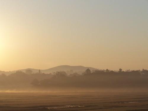 morning sky sun mist fog sunrise madagascar weehours fogandrain malaza lazaina personalbestourfavoritephotos