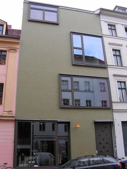 modern facade - amsterdam