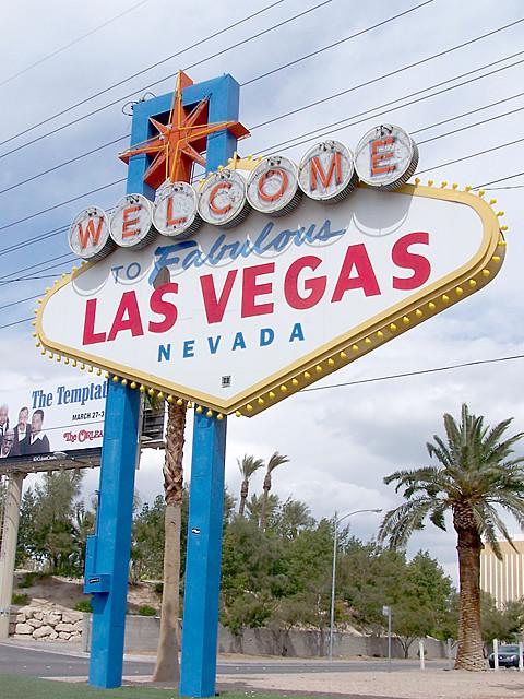 Vegas sign 2.jpg