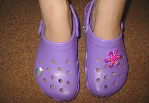 20070809 - Bethany Beach - IMG_3078 - Carolyn's present from Jay- Purple Crocs, including jibbitz | by Clio CJS