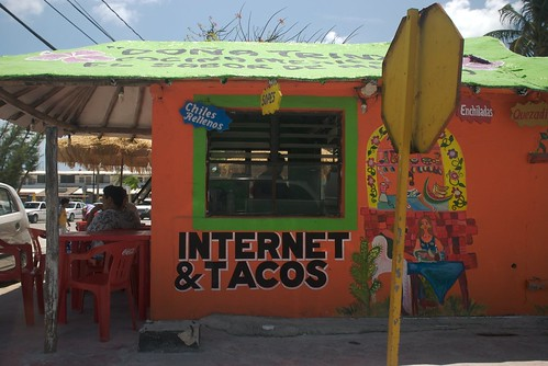 internet & tacos | by lecates