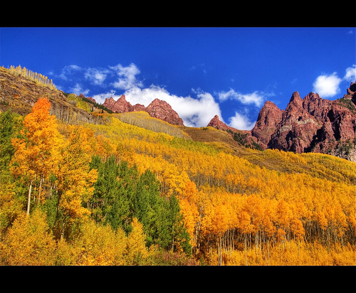 blue autumn trees mountain color fall rock forest colorado peak foliage explore aspen maroonbells skyclouds worldbest anawesomeshot sieversmountain 200809