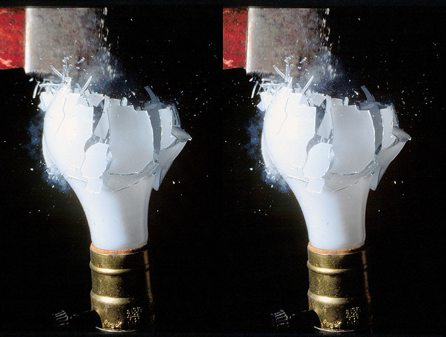Light Bulb Smash - (3D Cross-View)