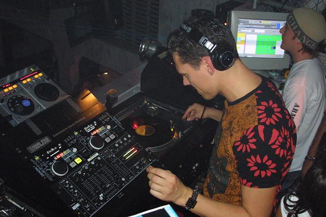 tiesto03 | DJ Tiesto 2001 Metropolis Nightclub Providence, R