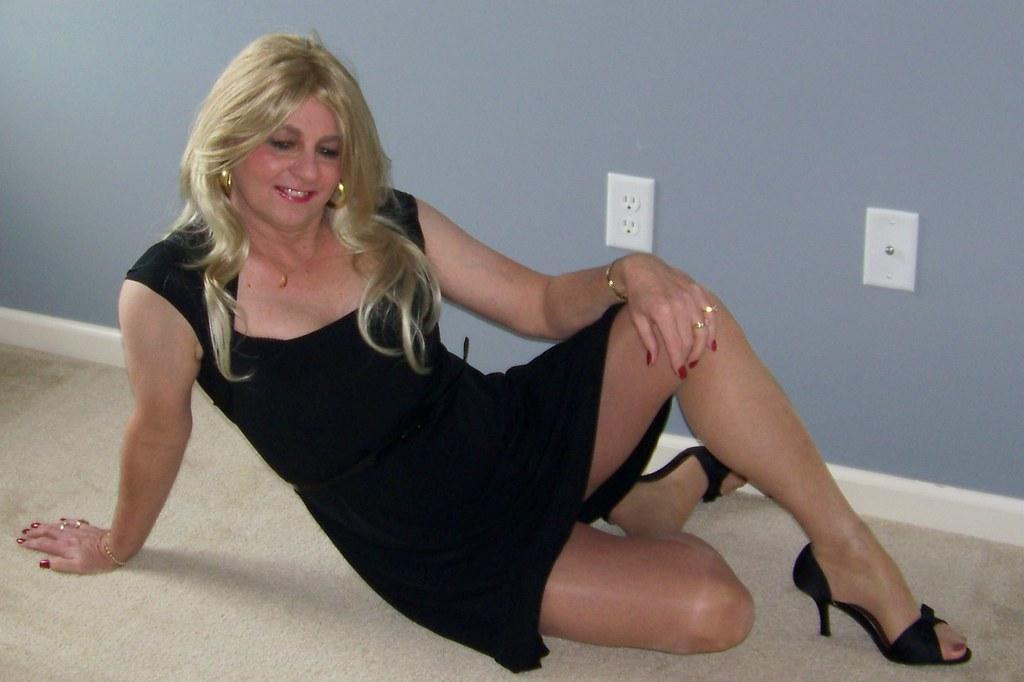 100_1077 | Who wants to cum between my legs? | Katie Ward