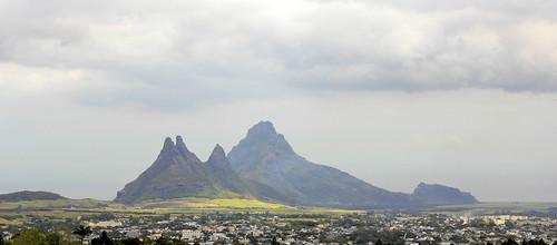 mountains clouds island view maurice ile crater tropical mauritius vulcano trouauxcerfs curepipe 550d