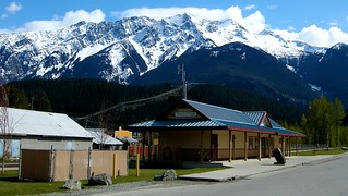 Mount Currie from Pemberton | by Stewart Marshall (RightAntler)