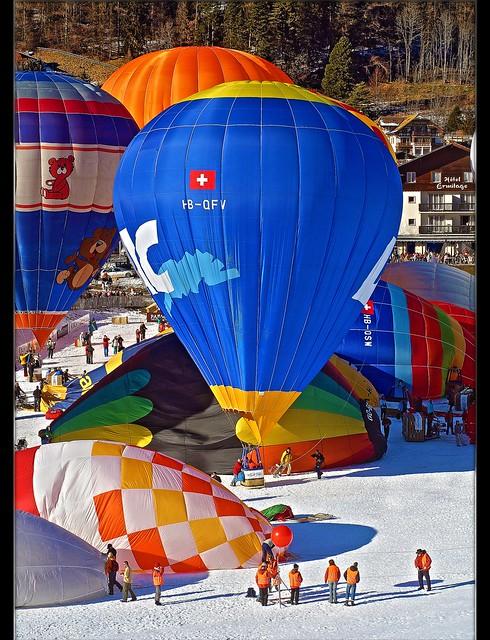 Switzerland Festival de Ballons 2007 Château d'Ôex . No.503.