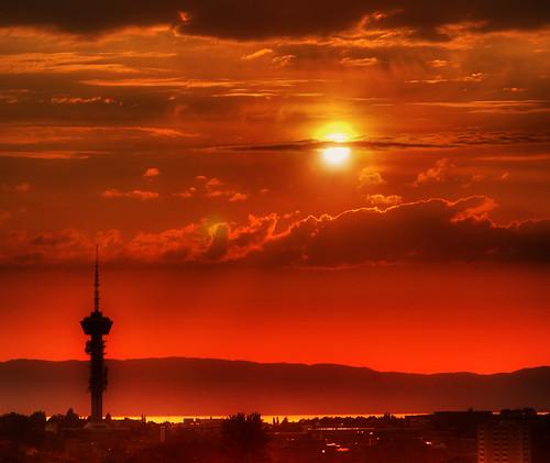 sunset red sun norway skyline geotagged bravo trondheim hdr tyholttårnet 3xp photomatix geo:tool=gmif tophdr exploretop20 geo:lat=63410103 geo:lon=10459671 lpclimate