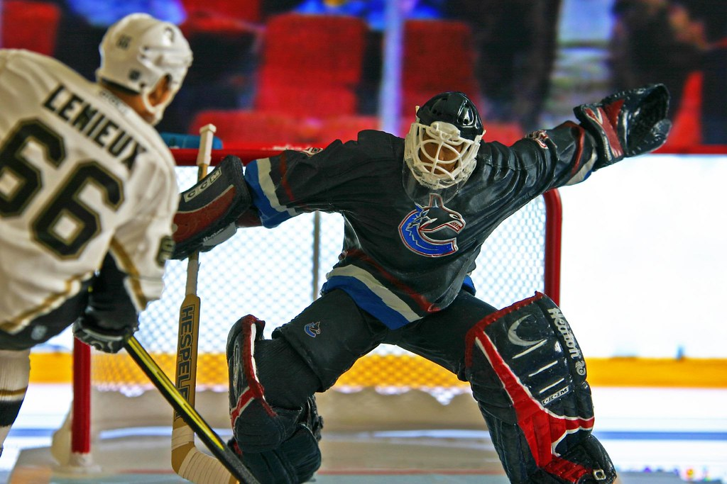 MCFARLANE NHL 5 DAN CLOUTIER