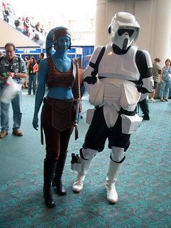 Aayla Secura and a Trooper