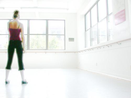 Dancer waiting 3