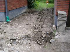 Nya grävningar för att få fram stenplattorna.