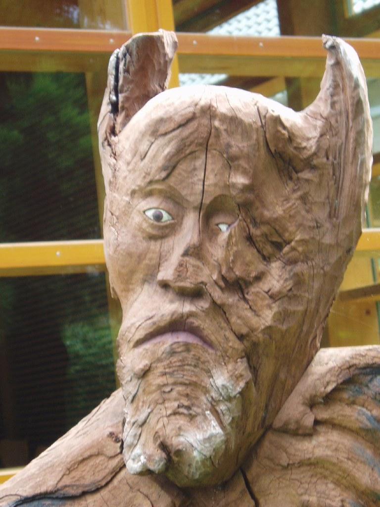 Holzkopf | Beim Anblick dieser Statue über die Sturheit