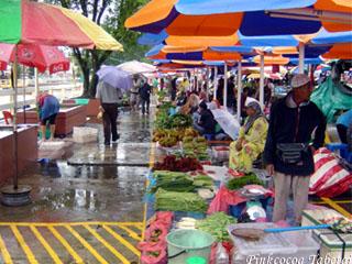 Brunei - Kianggeh Tamu Stalls