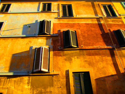 Living in Rome   by Gianni Dominici