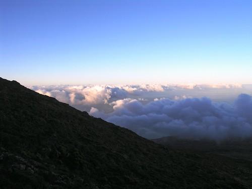 Sobre as nuvens em terra firme