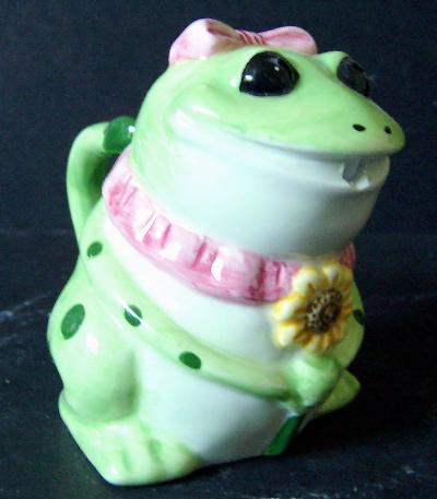 Kitchen Set - Frog Creamer