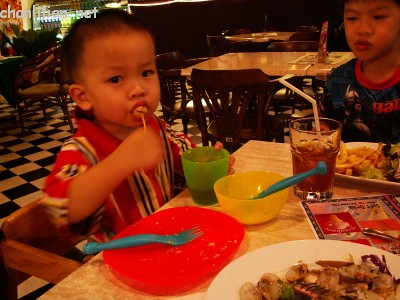 Food And Cooking At Toys R Us : Child friendly restaurants u2013 best recipes foods and travel