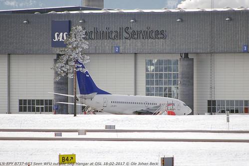 ex SAS B737-683 LN-RPY, seen parked and wfu outside Hangar at OSL, two days before its final departure.   by Ole Johan Beck