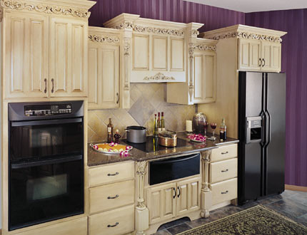 Upscale Kitchen Cabinets - Fieldstone Cabinetry | This kitch ...