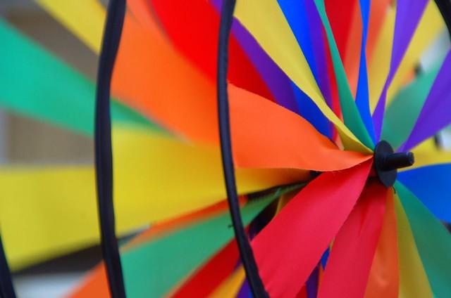 Swinging colors