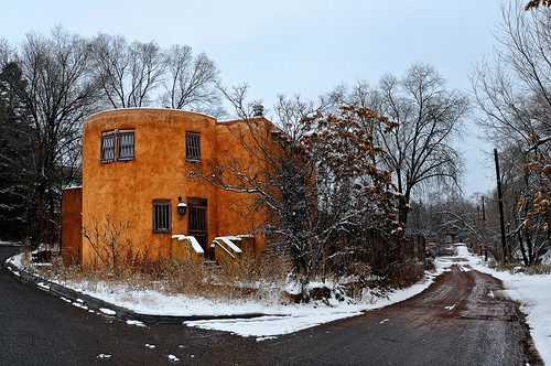 road city winter urban house snow newmexico santafe building home architecture corner town nikon structure adobe lane round nm circular lucisart d300