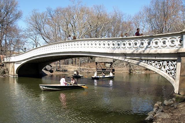 Bow Arch Bridge over The Lake, Central Park, Manhattan, New York City