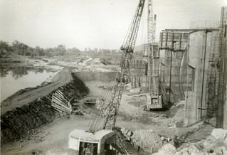 1961-12 - Coffer dam breached - Water flows over spillways - KHS-2007-10-ah-P2-D