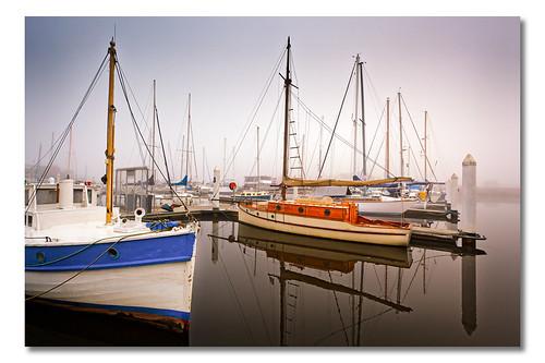 reflection water fog sunrise boats boat sailing matthew australia tasmania seaport july31