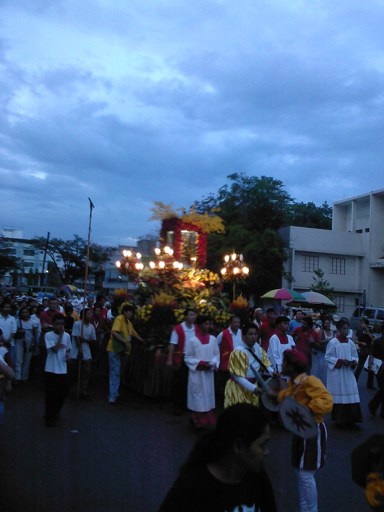 Procession Of The Image Of Senor Santo Nino De Cebu From T Flickr